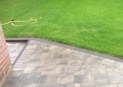 Pflasterarbeiten Garten Wiese Pflastersteine